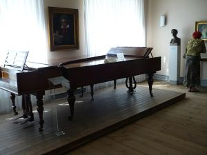 Beethoven's Piano's